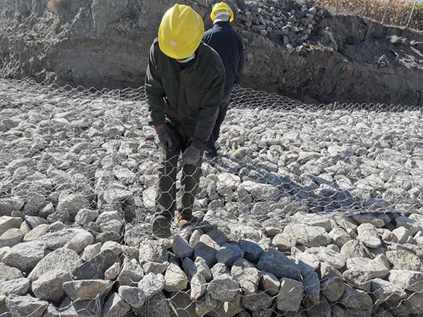 新疆阿勒泰施工現場