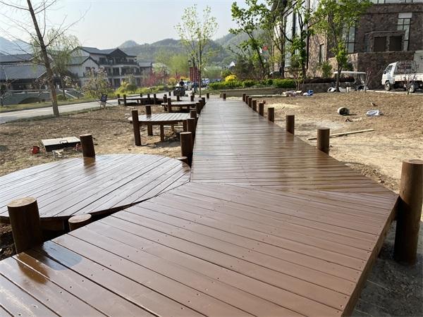 木棧道木平臺